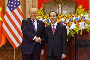 Chủ tịch nước Trần Đại Quang điện đàm vớiTổng thống Hoa Kỳ Donald Trump