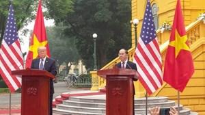 Chủ tịch nước và Tổng thống Mỹ họp báo chung