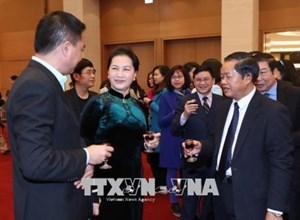 Chủ tịch Quốc hội chúc Tết lãnh đạo, người lao động của Văn phòng Quốc hội