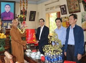 Phú Thọ: Chủ tịch Mặt trận thăm, chúc Tết Ban Trị sự Giáo hội Phật giáo tỉnh
