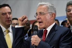 Cựu Tổng thống Colombia trả lời chất vấn về cáo buộc mua chuộc nhân chứng