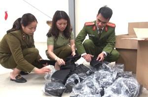 Thanh Hóa: Phát hiện một thanh niên bán 5.000 khẩu trang không rõ nguồn gốc, xuất xứ