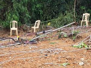 Tháo dỡ cột ăng ten, hai kỹ thuật viên Đài PTTH tử vong