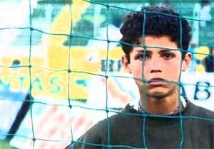 Cristiano Ronaldo kể chuyện đời