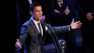 C.Ronaldo giành giải Cầu thủ hay nhất thế giới 2017: Giới hạn nào cho CR7?