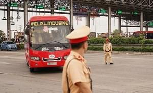 Tổng kiểm soát xe ô tô khách, container và xe mô tô: Xử lý 373.638 trường hợp vi phạm