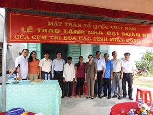 Cụm thi đua Miền Đông Nam bộ trao nhà Đại đoàn kết tại Bình Thuận
