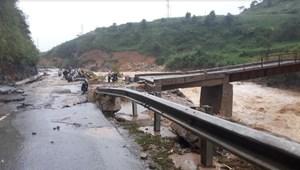 Cứu trợ khẩn cấp người dân các tỉnh bị ảnh hưởng mưa lũ miền núi phía bắc