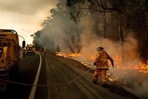 Cháy rừng tại Australia: Ban bố cảnh báo sơ tán mới