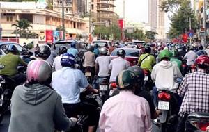 TP Hồ Chí Minh: Vẫn còn tình trạng tụ tập đông người
