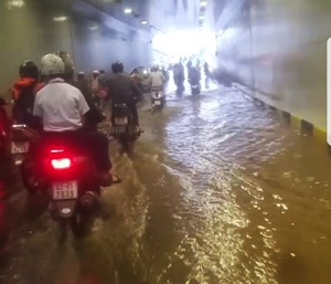 Đà Nẵng: Hầm chui hơn 118 tỷ đồng ngập nước