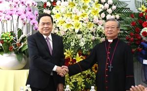 BẢN TIN MẶT TRẬN: Chủ tịch Trần Thanh Mẫn thăm và chúc mừng Giám mục Tri Bửu Thiên, Giáo phận Cần Thơ