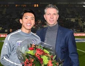 [VIDEO] SC Heerenveen vinh danh nhà vô địch SEA Games Đoàn Văn Hậu