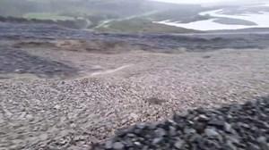 Dòng sông toàn đá chảy ầm ầm như nước ở New Zealand