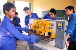 Đột phá giáo dục nghề nghiệp: Tăng cường tính tự chủ của các địa phương