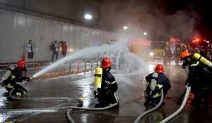Diễn tập chữa cháy và cứu hộ trong đường hầm vượt sông Sài Gòn