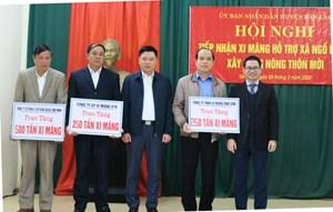 Hòa Bình: 3 doanh nghiệp ủng hộ 1.000 tấn xi măng hỗ trợ xã nghèo xây dựng nông thôn mới
