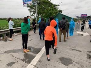 Hà Nội: Phát hiện xe khách chạy xuyên Việt giữa dịch Covid-19
