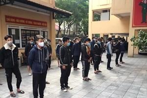 Khởi tố vụ án, tạm giữ 15 đối tượng gây rối trật tự công cộng tại hồ Hoàn Kiếm