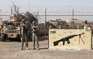 Một loạt tên lửa tấn công vào căn cứ Iraq có lính Mỹ đồn trú