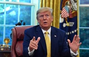 Tổng thống Mỹ yêu cầu xác định danh tính người tố cáo ông