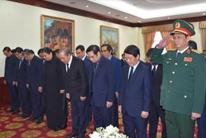 Đoàn đại biểu Đảng, Nhà nước, MTTQ Việt Nam viếng Đại tướng Sisavath Keobounphanh