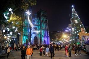 [ẢNH] Đón Giáng sinh tại Hà Nội