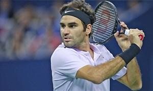 Federer ra quân suôn sẻ ở Basel nhờ bóng một hoàn hảo
