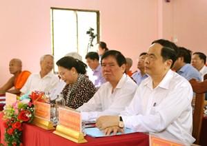 BẢN TIN MẶT TRẬN: Chủ tịch Trần Thanh Mẫn chung vui Ngày hội ở phum sóc