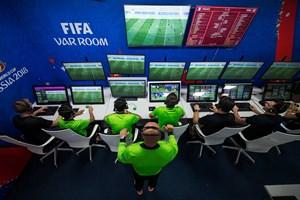 FIFA bị đòi tiền bản quyền VAR