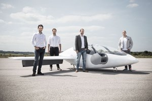 Taxi bay 5 chỗ thiết kế dáng thể thao đạt vận tốc 100km mỗi giờ