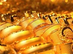 Giá USD giảm, vàng tăng