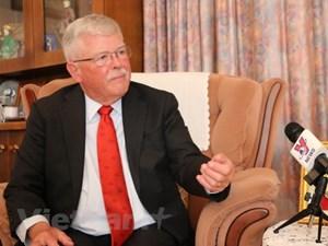 Giáo sư Carl Thayer trả lời phỏng vấn về quan hệ đối tác chiến lược Việt Nam-Australia