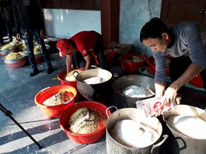 Gói 1.000 cặp bánh chưng xanh tặng người nghèo Ba Đồn