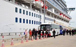 Thông tin về việc 61 du khách nhiễm virus Corona trên du thuyền từng ghé cảng Chân Mây
