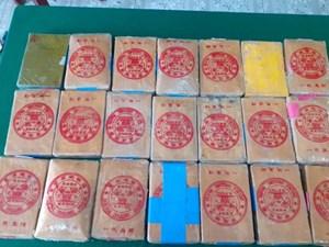 Thêm 21 bánh ma túy trôi dạt vào bờ biển Thừa Thiên – Huế