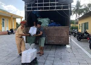 Thừa Thiên - Huế: Phát hiện xe tải chở hơn 24.000 gói thuốc lá 'không nguồn gốc'