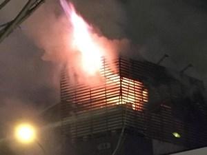 Hà Nội: Cháy lớn tại công ty bán rèm