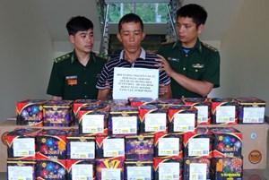 Hà Tĩnh: Bắt đối tượng vận chuyểngần 100 kg pháo nổ trái phép
