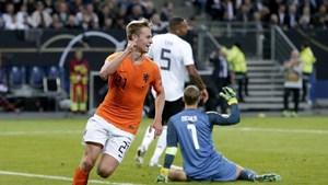 Đội tuyển Hà Lan ngược dòng đánh bại Đức