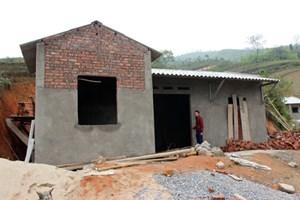 Hà Giang: Xín Mần đẩy nhanh tiến độ xây nhà cho người nghèo