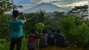 Hàng chục nghìn người sơ tán khỏi núi lửa ở Bali