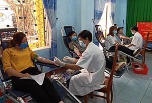 Thừa Thiên - Huế: Nhiều đơn vị tham gia hiến máu