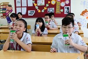 Hà Nội: Hơn 1 triệu trẻ mẫu giáo và học sinh tiểu học tham gia chương trình Sữa học đường