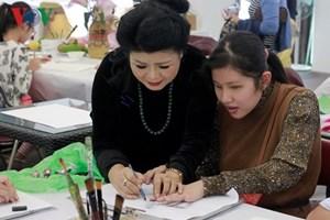 Hoạ sĩ Văn Dương Thành và lớp dạy vẽ 'đặc biệt' cho trẻ khuyết tật, tự kỷ