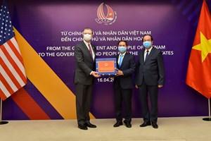 Việt Nam trao tặng vật tư y tế cho Nhật Bản và Hoa Kỳ