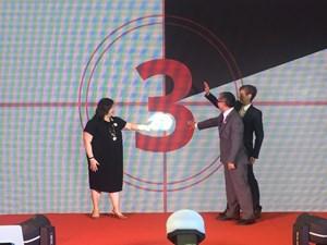 Hoàng Bách và Only C được chọn làm đại sứ quảng bá Du lịch Singapore