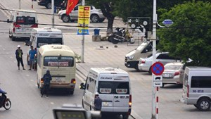 Quảng Ninh: Lập chốt kiểm tra xử lý xe chở khách vi phạm loại hình kinh doanh