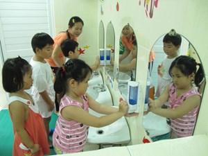 Tăng cường phòng, chống bệnh tay chân miệng mùa khai trường