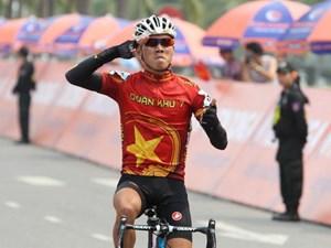 Huỳnh Thanh Tùng giành cú ăn 3